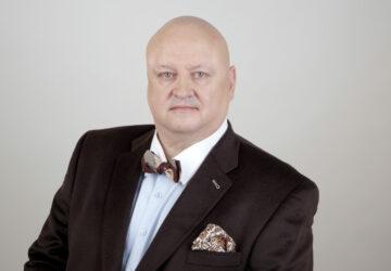 Nepochopení Václava Moravce, advokátní volby a rozhodčí válka