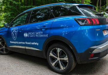 Stinné stránky motorismu lze zmírnit. Peugeot jde příkladem
